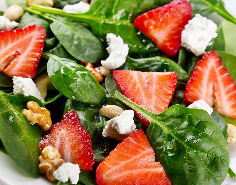 Ensalada verde con fresas