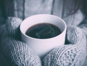 Consume alimentos que te mantengan caliente